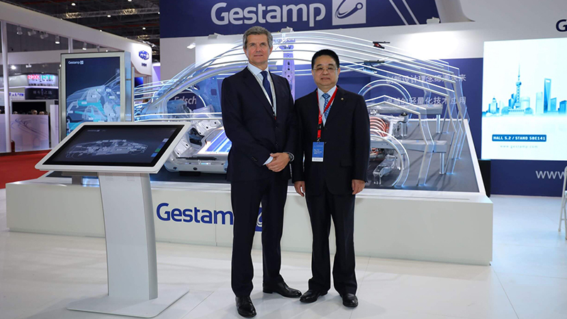 Francisco J. Riberas, Executive Chairman of Gestamp and Cai Suping, Vice President and Deputy General Manager of BAIC Group, Chairman of BHAP during Auto Shanghai 2019